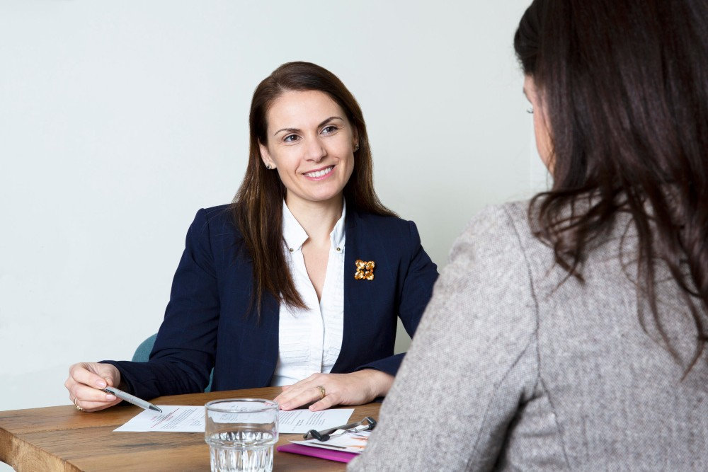 5 Common job interview questions and how to answer them